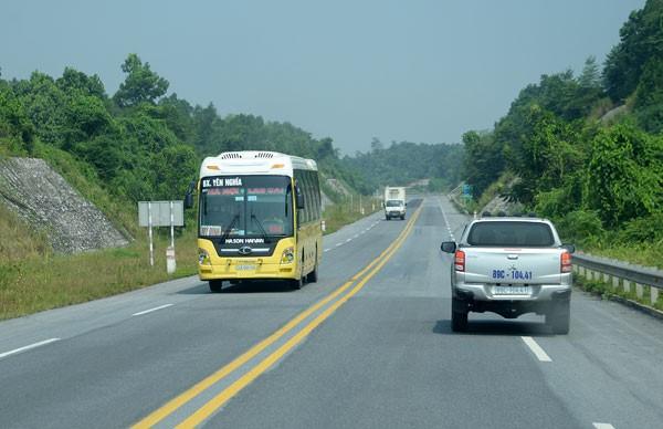 ĐBQH hiến kế phát triển hạ tầng giao thông
